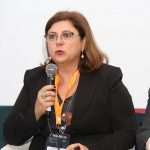 Dânia Fiorin Longhi participando como debatedora na Fenalaw 2017